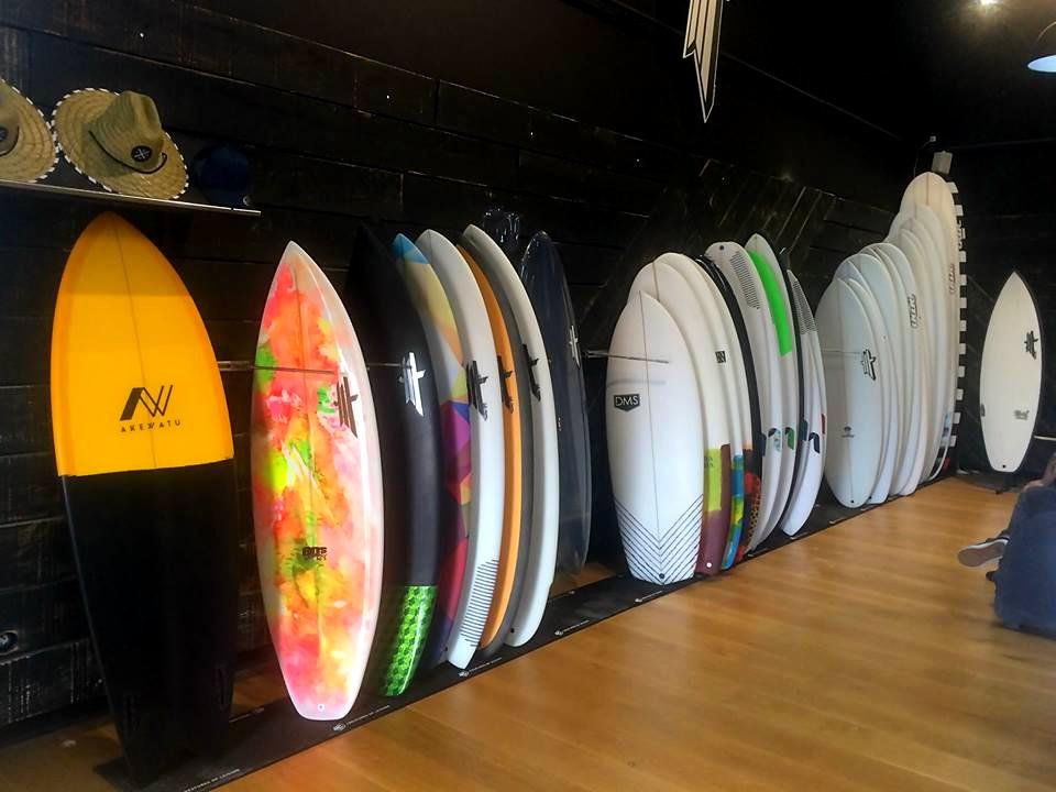 Akewatu, le site pour acheter/vendre ses planches de surf